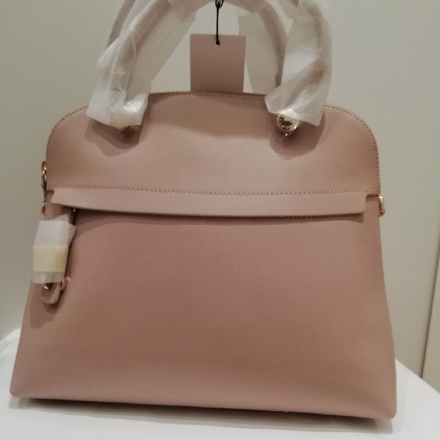 0df2723dff12 Furla(フルラ)のFURLA パイパー ダリアDALIA 希少カラー 明るめベージュ レディースのバッグ