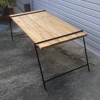 板付 アイアンテーブル アイアンラック アウトドア キャンプ バーベキュー(アウトドアテーブル)