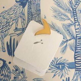 ミナペルホネン(mina perhonen)のミナペルホネン   bird イエロー ピンバッジ(バッジ/ピンバッジ)