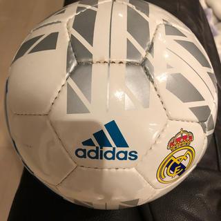 アディダス(adidas)のサッカーボール 4号球(ボール)