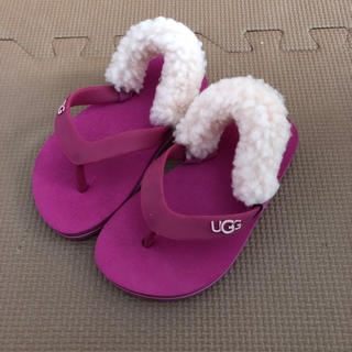 アグ(UGG)のUGG ピンクのビーチサンダル(サンダル)