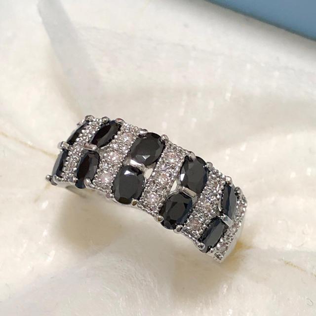 レディースリング★CZブラック&ホワイト シルバーリング レディースのアクセサリー(リング(指輪))の商品写真