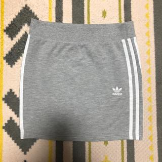 アディダス(adidas)の美品アディダスオリジナルス スウェットミニタイトスカートグレー(ミニスカート)