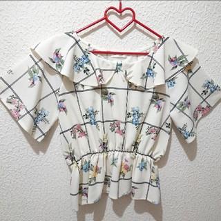 シマムラ(しまむら)の新品 しまむら 花柄 ブラウス♥️Mサイズ 夢展望 GU(シャツ/ブラウス(半袖/袖なし))