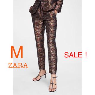 ザラ(ZARA)の新品未使用 ZARA ジャガード 花柄 クロップドパンツ M(クロップドパンツ)