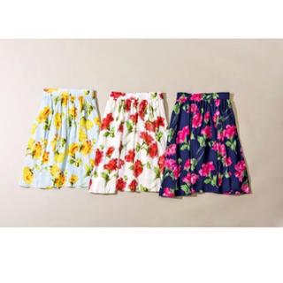 アンドクチュール(And Couture)のカーネーションスカート(ひざ丈スカート)