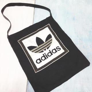 アディダス(adidas)の✴︎ adidas ✴︎ 一点物 トートバッグ ブラック(トートバッグ)