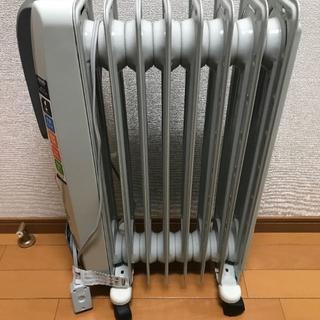 デロンギ(DeLonghi)のデロンギ オイルヒーター 8-10畳 H770812EFSN-GY(オイルヒーター)