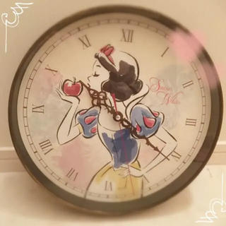 ディズニー(Disney)の【新品】白雪姫 壁掛け時計 31cm(掛時計/柱時計)