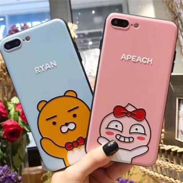 洋書風 iPhone8 ケース / iphoneケース  カカオフレンズ  アピーチ  iphone7/8の通販 by a' s shop☆セール開催中!|ラクマ