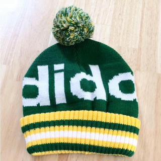 アディダス(adidas)の新品 アディダス ポンポン付き ラメ  ロゴ ニット帽(ニット帽/ビーニー)