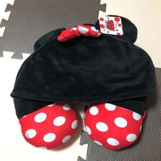 ディズニー(Disney)のディズニー ミニー ネックピロー 枕 フード付き 飛行機 バス (枕)