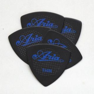 ギターピック5枚セット ラバーグリップ 三角 黒 T/0.5mm セルロース(その他)