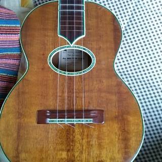 Maui music  テナーウクレレPeterLieberman 作(テナーウクレレ)