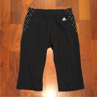 アディダス(adidas)の パンツ(カジュアルパンツ)
