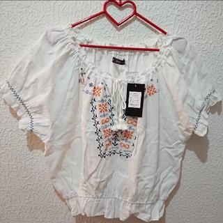 シマムラ(しまむら)の新品 しまむら 3L 刺繍 トップス♥️アベイル GU(シャツ/ブラウス(半袖/袖なし))