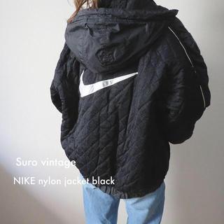 ナイキ(NIKE)の90s NIKE 中綿 ナイロンジャケット ブラック 古着 レディース(ナイロンジャケット)