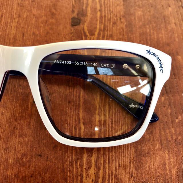 Vivienne Westwood(ヴィヴィアンウエストウッド)の【新品・未使用】ヴィヴィアン ウエストウッド メガネフレーム ホワイト 大きめ レディースのファッション小物(サングラス/メガネ)の商品写真