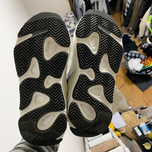 adidas(アディダス)のyeezy 700 v2 25.5cm メンズの靴/シューズ(スニーカー)の商品写真