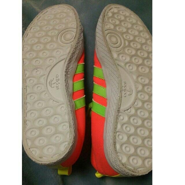 adidas(アディダス)のアディダス ニッツァHi 希少カラー試足程度の美品です レディースの靴/シューズ(スニーカー)の商品写真