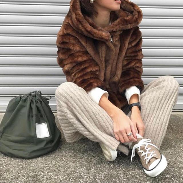 ZARA(ザラ)のzara ファーコート M レディースのジャケット/アウター(毛皮/ファーコート)の商品写真