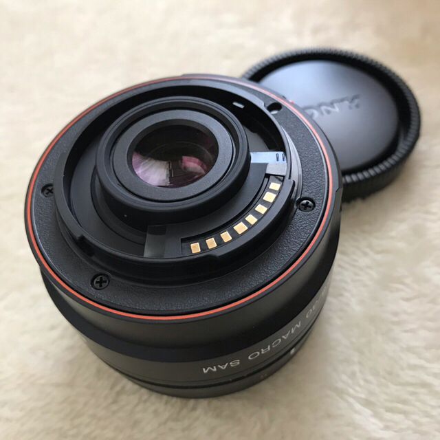 SONY(ソニー)の値下げ☆SONY DT30mm F2.8 Macro SAM SAL30M28 スマホ/家電/カメラのカメラ(レンズ(単焦点))の商品写真