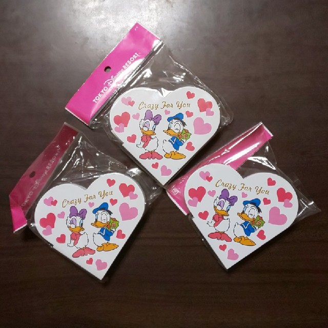 Disney(ディズニー)の【未使用】ドナルド&デイジー ハート型メモ帳 インテリア/住まい/日用品の文房具(ノート/メモ帳/ふせん)の商品写真