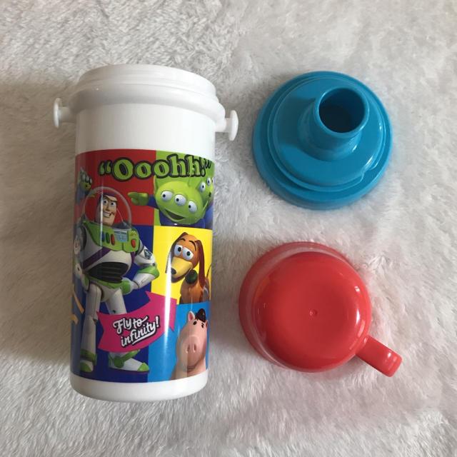 Disney(ディズニー)のトイストーリー 直飲み プラスチック水筒 コップ付 キッズ/ベビー/マタニティの授乳/お食事用品(水筒)の商品写真