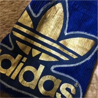 アディダス(adidas)の美品!adidas  コーデュロイ ゴールド ロゴ スカート(ミニスカート)