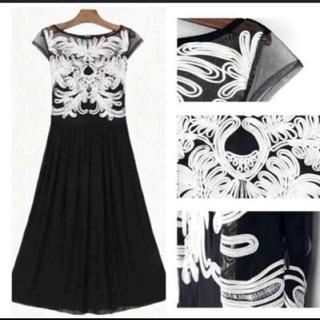 ザラ(ZARA)の刺繍 シースルードレス(ロングドレス)