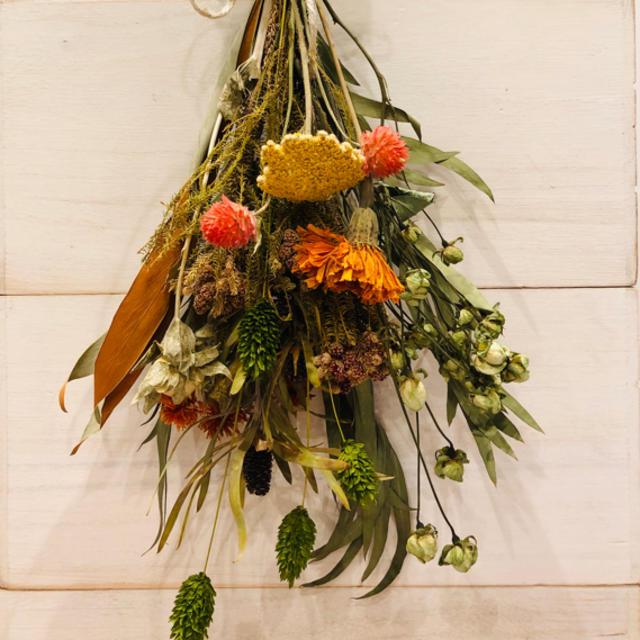 ドライフラワースワッグ ハンドメイドのフラワー/ガーデン(ドライフラワー)の商品写真