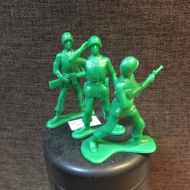 グリーンアーミー 三体セット エンタメ/ホビーのおもちゃ/ぬいぐるみ(キャラクターグッズ)の商品写真