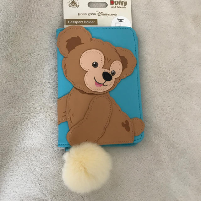 Disney(ディズニー)の新品ダッフィー パスポートケース エンタメ/ホビーのおもちゃ/ぬいぐるみ(キャラクターグッズ)の商品写真