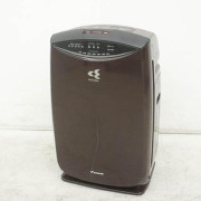 DAIKIN(ダイキン)の加湿機 空気清浄機 DAIKIN ストリーマ スマホ/家電/カメラの生活家電(空気清浄器)の商品写真