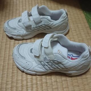 アディダス(adidas)のアディダス 運動靴 白 21.5(スニーカー)