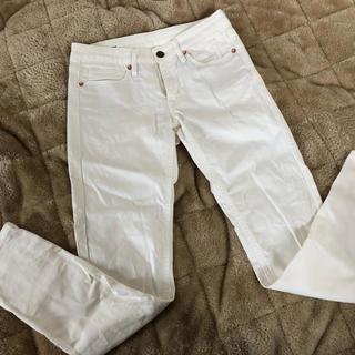 ムジルシリョウヒン(MUJI (無印良品))の無印良品 白パンツ(カジュアルパンツ)