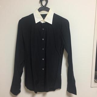 アーバンリサーチ(URBAN RESEARCH)のアーバンリサーチ シャツ 黒 ブラック M(シャツ)
