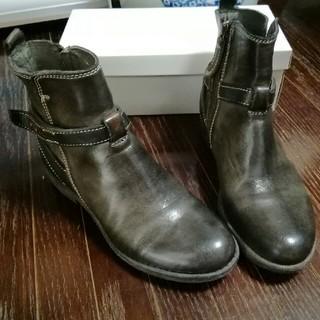 サヤ(SAYA)の値下げ❗美品 SAYA ヴィンテージ加工ショートブーツ 22.5センチ 送料無料(ブーツ)