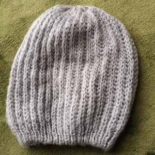 エイチアンドエム(H&M)のグレー ニット帽(ニット帽/ビーニー)