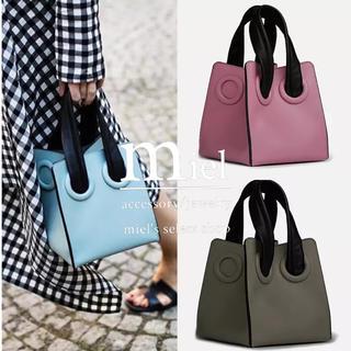 ザラ(ZARA)のまゆテソ様 pink square bag(ハンドバッグ)