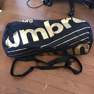 アンブロ(UMBRO)のドラム型スポーツバック(ドラムバッグ)