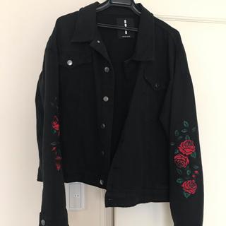 ザラ(ZARA)のROXD バラ刺繍 デニムジャケット(Gジャン/デニムジャケット)