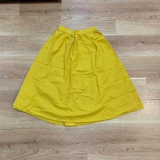 ジーユー(GU)のスカート 黄色 イエロー ロングスカート 膝丈 膝下 レディース (ひざ丈スカート)
