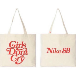 ナイキ(NIKE)のNIKE SB Girls Don't Cry トートバック 新品(トートバッグ)