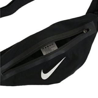 ナイキ(NIKE)の新品 NIKE zip pocket expandable waistpack(ボディバッグ/ウエストポーチ)