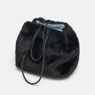 ザラ(ZARA)の【タグ付き新品】ザラ リバーシブル ファーバッグ ブラック(トートバッグ)