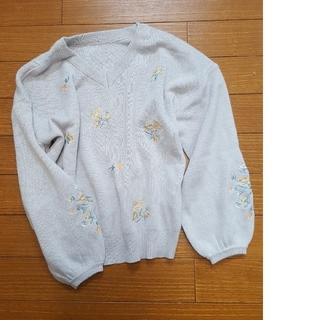 ヴィス(ViS)のvis 刺繍ニット グレー F (ニット/セーター)