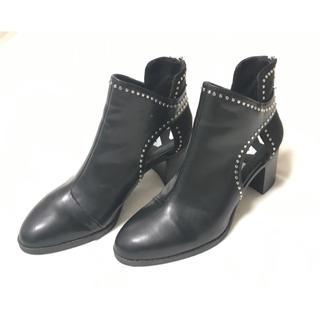ザラ(ZARA)のほぼ新品★ZARA 38サイズ スタッズ ショート ブーツ シルバー 黒 ザラ(ブーティ)