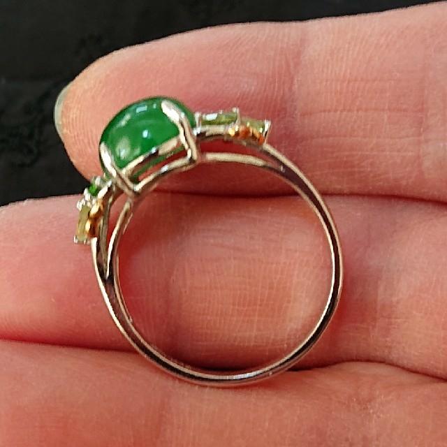 【本物】翡翠 × 18金 ホワイトゴールド レディースのアクセサリー(リング(指輪))の商品写真