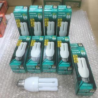 トウシバ(東芝)の電球型蛍光灯 18個 E26口金 昼白色 東芝EFD12EN(蛍光灯/電球)